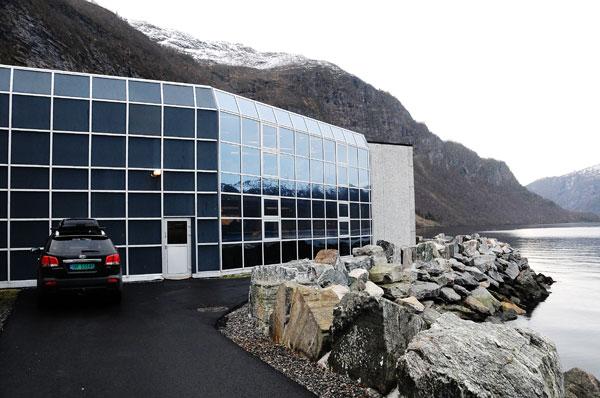 Helt nede ved fjorden i Stordal finn du Anitas Systue.